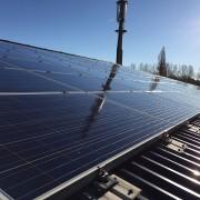 Nettoyage-panneaux-solaire-printemps
